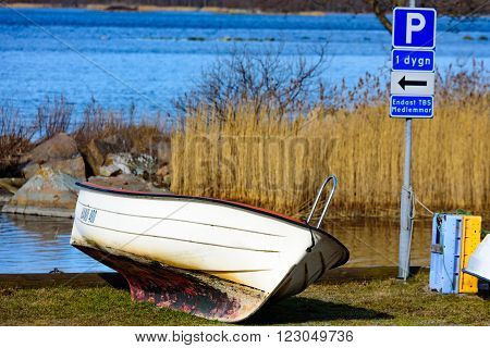 Parking The Boat