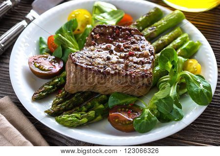 Beef Steak With Grilled Asparagus