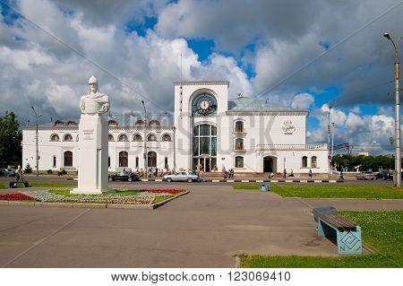 VELIKY NOVGOROD, RUSSIA - JULY 17, 2012: Alexander Nevsky (1221-1263) Sculpture. On the background is Novgorod-na-Volkhove Rail Terminal. Alexander Nevsky was Prince of Novgorod