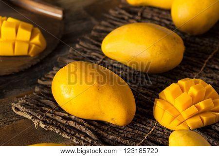 Raw Organic Yellow Mangos