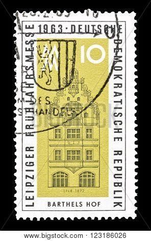 GERMAN DEMOCRATIC REPUBLIC - CIRCA 1963 : Cancelled postage stamp printed by German Democratic Republic, that shows Barthels Hof.