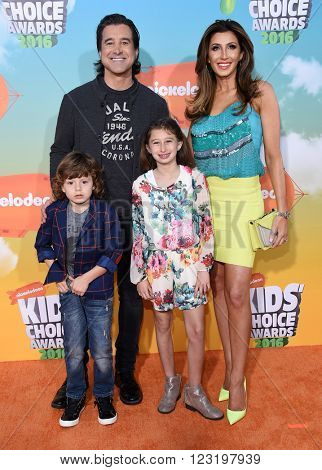 LOS ANGELES - MAR 12:  Scott Stapp, Jaclyn Stapp, Milian Stapp & Daniel Stapp arrives to the Nickeloden's Kid's Choice Awards 2016  on March 12, 2016 in Hollywood, CA.