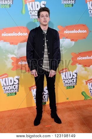 LOS ANGELES - MAR 12:  Charlie Puth arrives to the Nickeloden's Kid's Choice Awards 2016  on March 12, 2016 in Hollywood, CA.