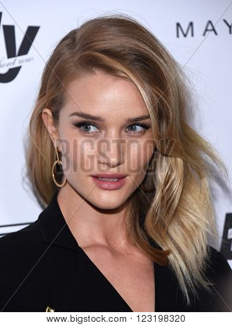 LOS ANGELES - MAR 20:  Rosie Huntington-Whiteley arrives to the 2nd Annual Fashion Los Angeles Awards  on March 20, 2016 in Hollywood, CA.