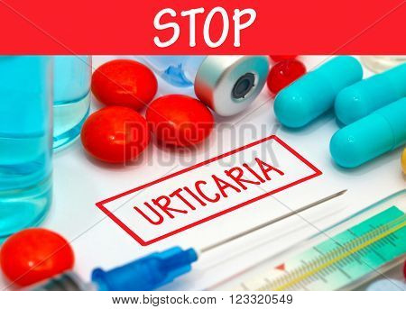 Stop urticaria. Vaccine to treat disease. Syringe and vaccine with drugs.