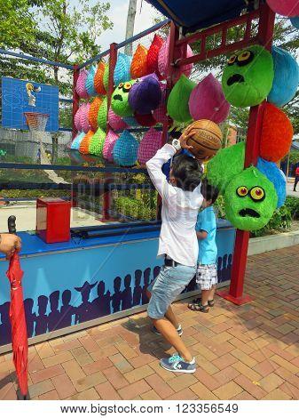 JOHOR MALAYSIA  - NOVEMBER 11 2014:  Basketball Shoot Arcade Game LEGOLAND Malaysia Theme Park November 11, 2014  in Johor, Malaysia