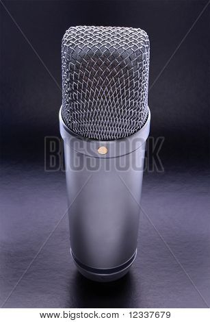 Micrófono de estudio