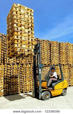 Forklift Cargo