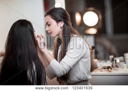 Makeup Artist Apply Makeup