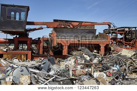 Metal and steel waste trash compacting machine