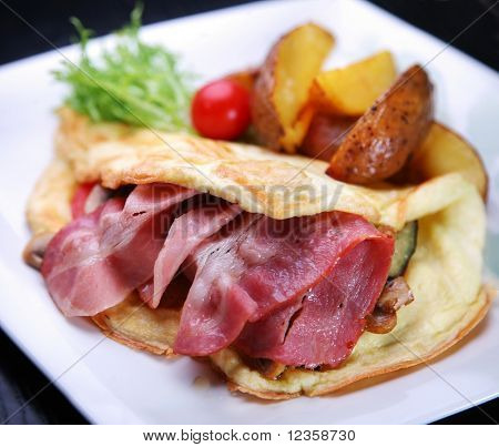 Omelets with bacon