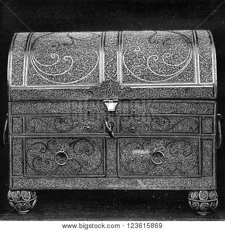 Collection of the Green Vault in Dresden, Filigree box, vintage engraved illustration. Magasin Pittoresque 1880.