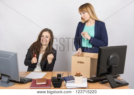 Office Worker Rejoices That Dismissed Colleague Collects Things