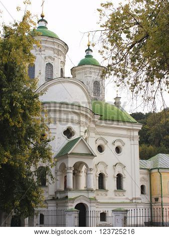 historic building , monastery premises , cover the church , the Church of Kiev