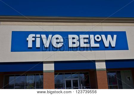 Indianapolis - Circa March 2016: Five Below Retail Store. Five Below Caters to Teens and their Parents II