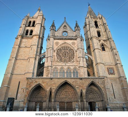 Leon Gothic Cathedral With Rose Window