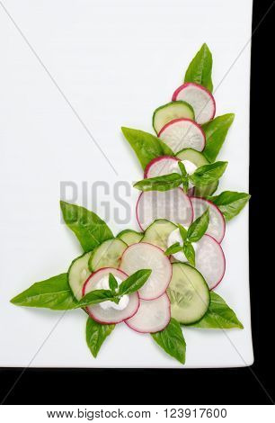 The idea of how to make a dish of vegetable cutting