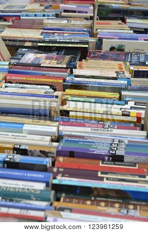 A table of second hand Spanish language books for sale