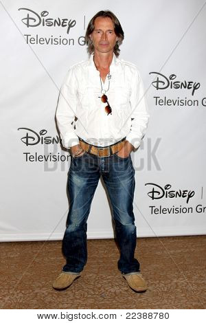 LOS ANGELES - AUG 7:  Robert Carlyle at the Disney/ABC Television Group Summer Press Tour at the Beverly Hilton Hotel on August 7, 2011 in Beverly Hills, CA