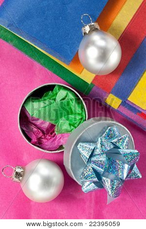 WTissue Paper and Gift Box