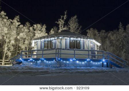 gefroren: Ski-Hut