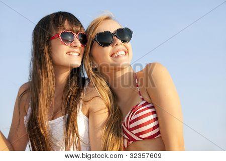 adolescentes em férias de Verão ou férias de Primavera