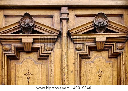 The Top Of A Closed Double Wood  Door