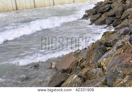 Ocean waves at the shore