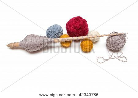 Spinning Wheel With A Ball Of Wool