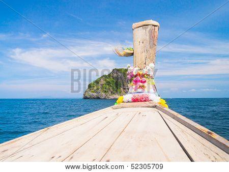 Front View Thai Vessel