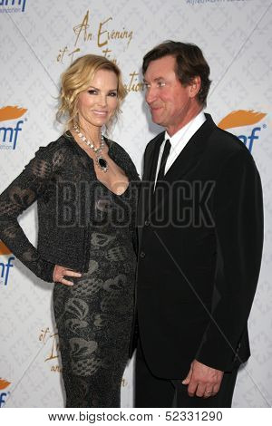 LOS ANGELES - OCT 13:  Janet Jones Gretzky, Wayne Gretzky at the 10th Alfred Mann Foundation Gala at Robinson-May Lot on October 13, 2013 in Beverly Hills, CA