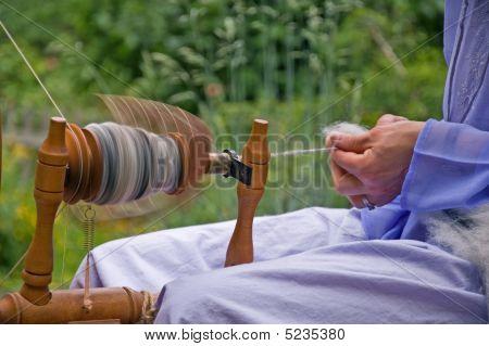 Closeup de ser mano de lana hilada