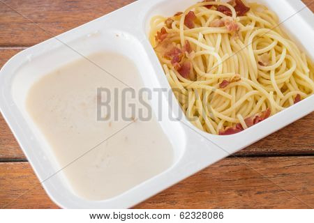 Box Set Of Spaghetti Carbonara With Bacon And Cheese
