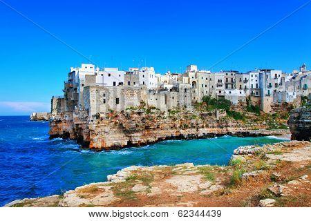 scenic Italy. Pitigliano al mare, Puglia