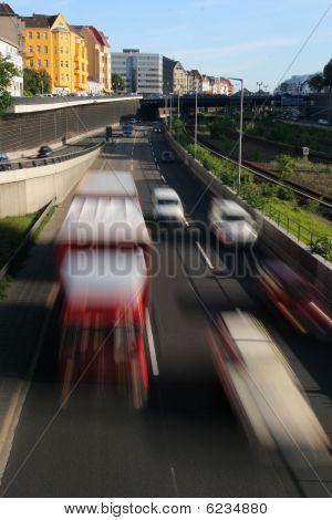 Fast city traffic