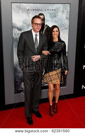NEW YORK-MAR 26: Actor Paul Bettany (L) and Jennifer Connelly attend the premiere of