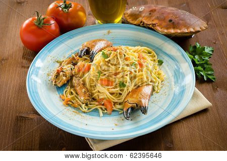 Spaghetti with crab and bottarga