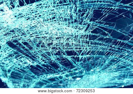 smashed windshield in car accident