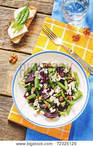 Salad With Roasted Beets, Green Beans, Walnuts And Goat Cheese