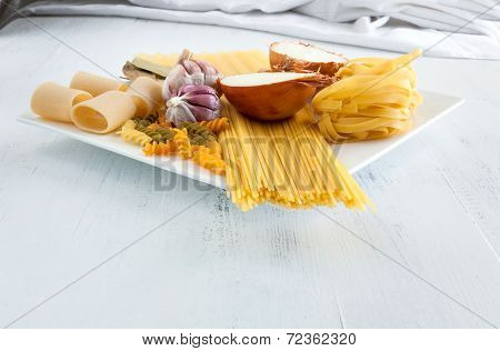 Italian Pasta With Garlics And Onion