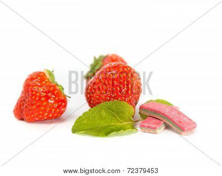 Strawberry Chewing Gum