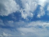 foto of ou  - blue summer sky with white cumulus clouds - JPG