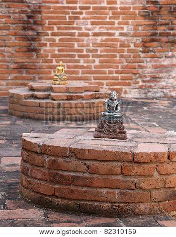 Buddha Statue In Ubosot (ordination Hall) At Wat Khudeedao, The Ruin Of A Buddhist Temple In Thailan