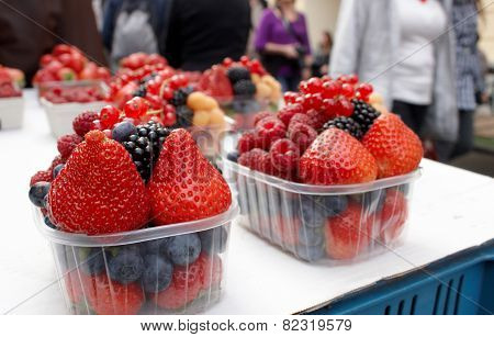 Fresh Fruit Berries
