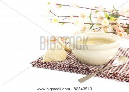 Luxury Dessert - Bowl Of  Bird Nest With Gingo