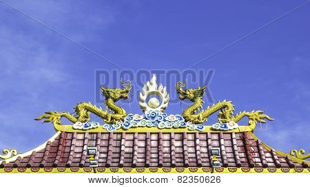 Twin Dragon Statue On Roof