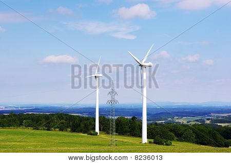 Wind turbines and pylone