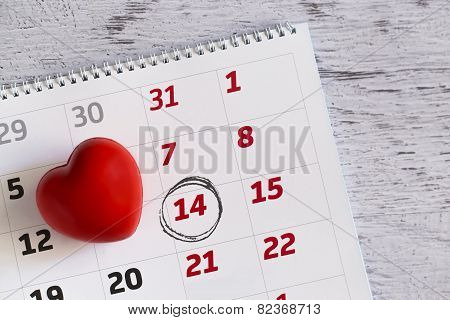 Valenitne Heart And Calendar Date