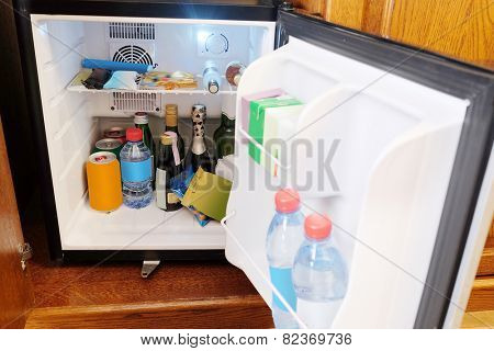 Outdoor mini bar in room