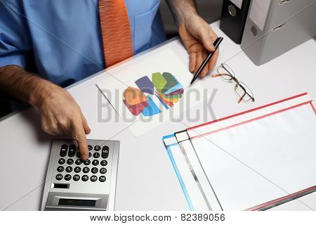 Calculating Business Worker